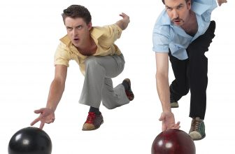 How To Throw A Bowling Ball – 7 Ultimate Steps