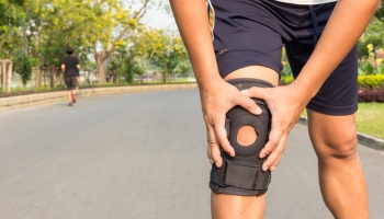 Top 10 Best Knee Braces for Bowling