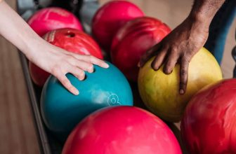 How To Choose Bowling Ball Weight?