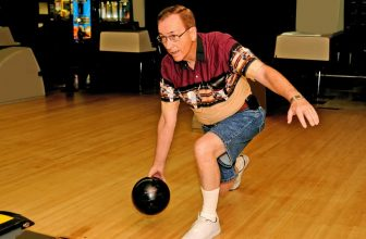 How to Release a Bowling Ball: Straight Shots vs Hook Shots
